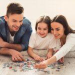 Perché fare i puzzle è un'ottima idea: i benefici per gli adulti e per i bambini
