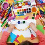 Lavoretti per bambini da fare con cartoncini colorati e carta crespa: 5 idee divertenti e originali