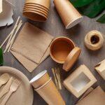 Perché usare stoviglie monouso ecologiche: piatti e tovagliato usa e getta per un catering ecosostenibile