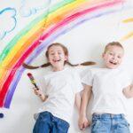 Stimola la creatività e libera la fantasia con i giochi e gli accessori per i bambini che amano disegnare e colorare